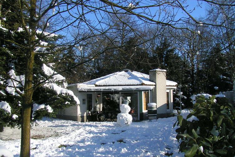 Bungalowpark het Verscholen Dorp in Harderwijk in den ...